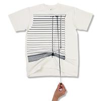картина напоминает дисплей одежды производитель оптом